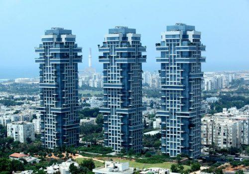 במגדלי אקירוב – דירה מעולה בקומה גבוהה!